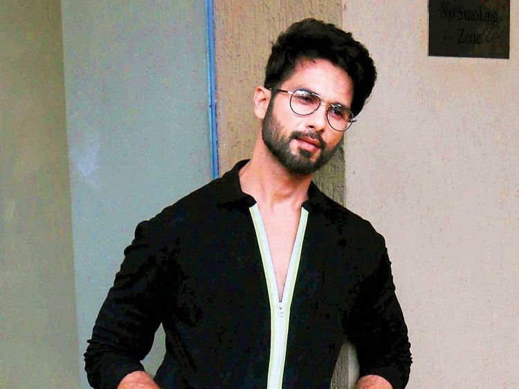https://www.celebritycentral.pk/wp-content/uploads/2019/06/190613-Shahid-Kapoor_16b50c77d21_large.jpg