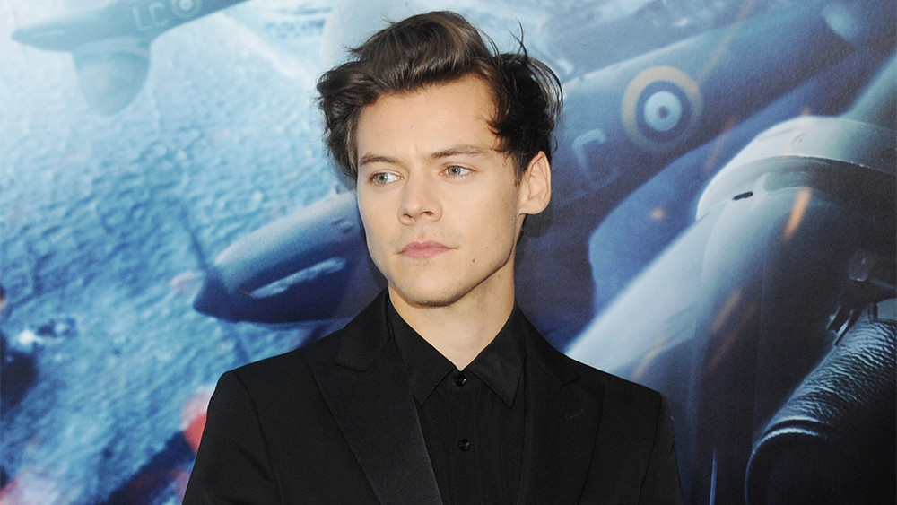 https://www.celebritycentral.pk/wp-content/uploads/2019/07/harry-styles.jpg